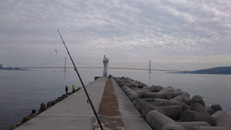 明石港西側灯台