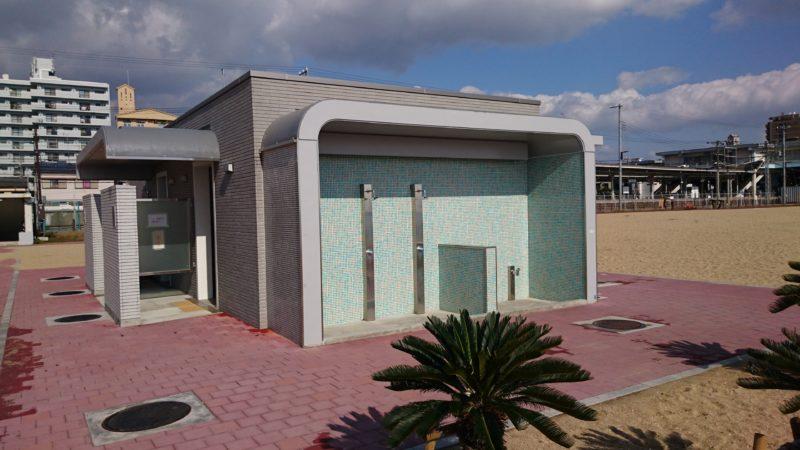 須磨のビーチに設置されたトイレ