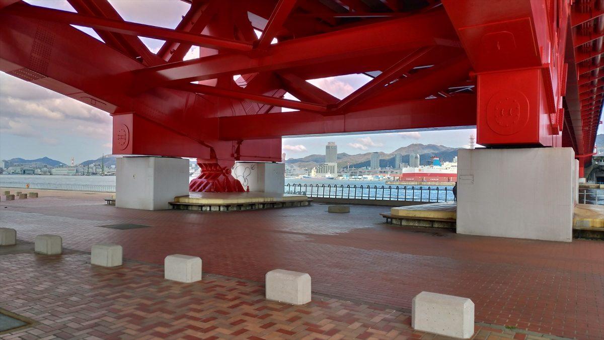 橋の下は雨除けできそう     お気楽オヤジの釣り日誌2 阪神支局